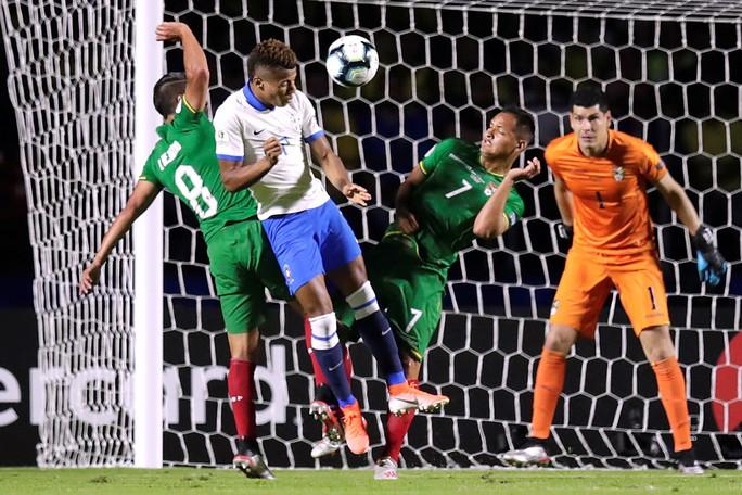 Siêu dự bị lập siêu phẩm, Brazil thắng đậm trận mở màn Copa America - Ảnh 5.