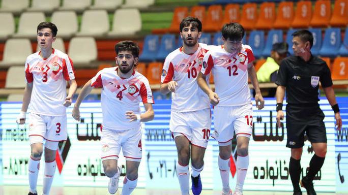 Việt Nam đánh bại Tajikistan, lấy vé vào tứ kết VCK U20 Futsal châu Á 2019 - Ảnh 1.