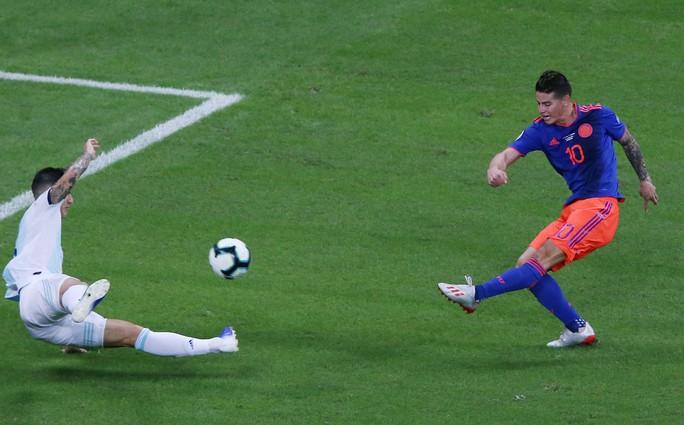 Đánh bại Messi, James Rodriguez tìm lại vị thế - Ảnh 1.