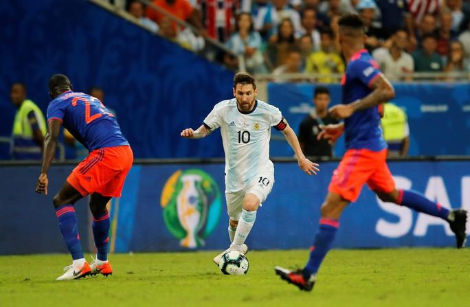 Dân mạng tức giận châm biếm thất bại của Messi - Ảnh 1.