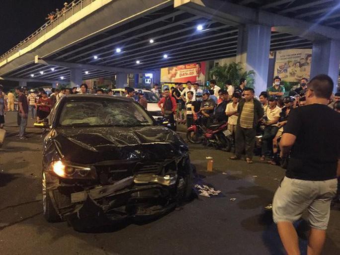 Diễn biến gay cấn vụ nữ doanh nhân lái BMW tông chết người ở Hàng Xanh - Ảnh 2.