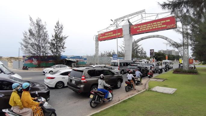 Cửa ngõ Quảng Nam – Đà Nẵng ùn tắc vì tai nạn liên hoàn - Ảnh 3.