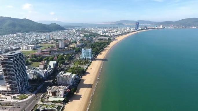 Chủ khách sạn bên bờ biển Quy Nhơn nói gì khi bị đề nghị dời trước hạn? - Ảnh 3.