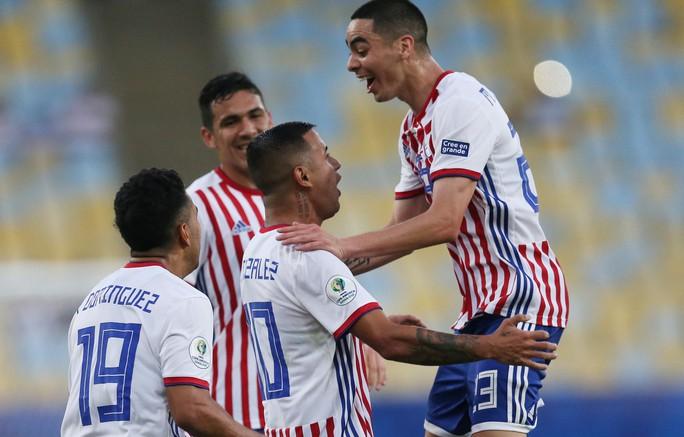 Ngược dòng cầm hòa Paraguay, Qatar gây sốc Copa America - Ảnh 4.