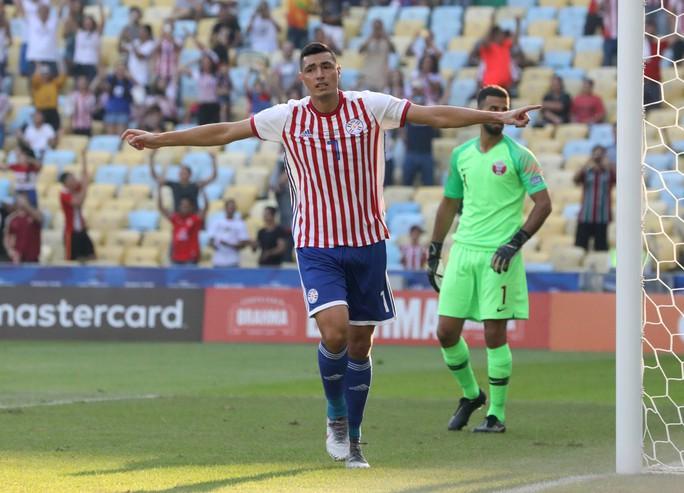 Ngược dòng cầm hòa Paraguay, Qatar gây sốc Copa America - Ảnh 2.