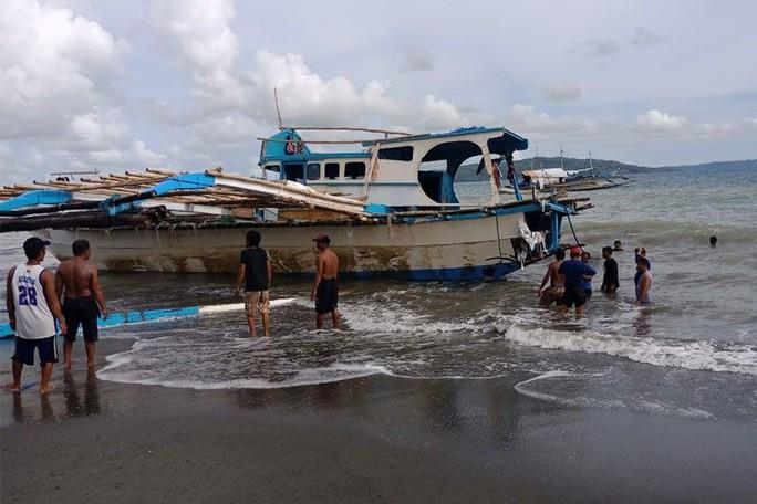 Philippines sẽ điều cảnh sát biển bảo vệ ngư dân - Ảnh 2.