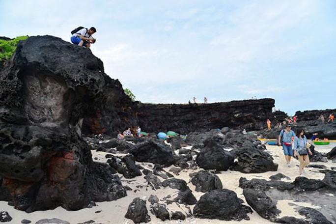 Lý Sơn lưu giữ nhiều báu vật địa chất - Ảnh 1.