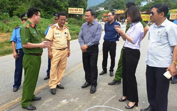 Vụ tai nạn kinh hoàng ở Hòa Bình: Chủ nhà xe từng có xe khách tông chết 7 người đi đưa tang - Ảnh 1.