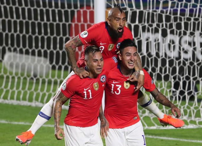 Vargas lập siêu phẩm bàn thắng, Chile đè bẹp Nhật Bản - Ảnh 6.