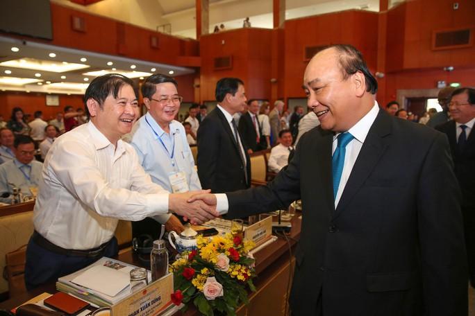 Bí thư Nguyễn Thiện Nhân đề xuất có ngân sách riêng phát triển giao thông TP HCM và Tây Nam Bộ - Ảnh 1.