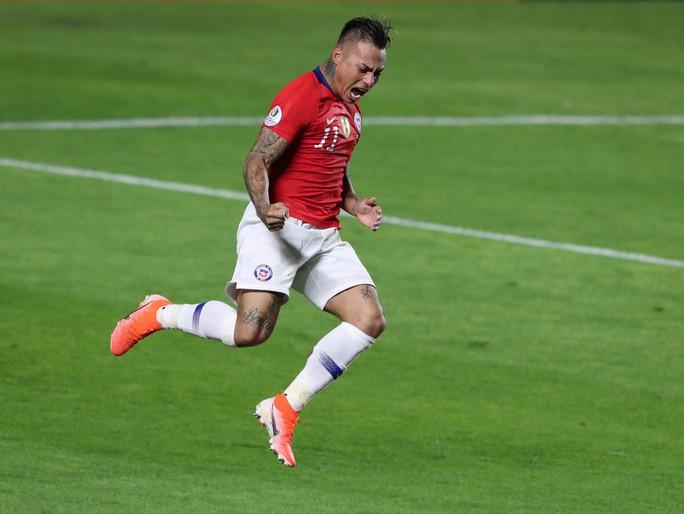Vargas lập siêu phẩm bàn thắng, Chile đè bẹp Nhật Bản - Ảnh 8.