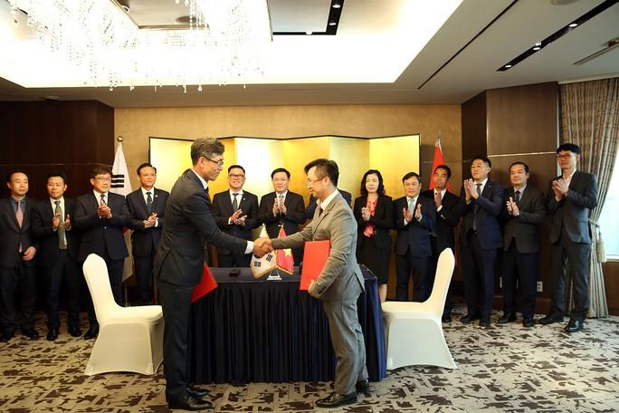 Gặp các tập đoàn Hàn Quốc, Phó Thủ tướng đề nghị chọn Việt Nam là cứ điểm - Ảnh 2.