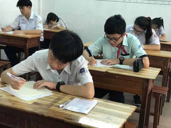 Trường THPT đầu tiên tại TP HCM công bố chỉ tiêu lớp 10 - Ảnh 1.