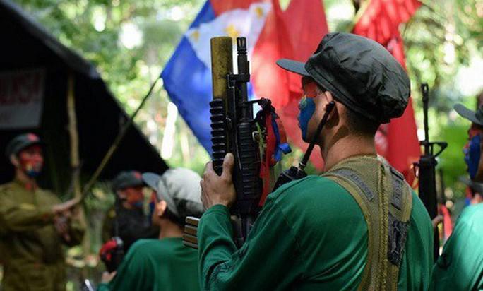 Tình hình 2 người Việt trong vụ đoàn xe bị đánh bom ở Philippines - Ảnh 1.