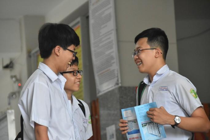 Có sai sót trong đề thi môn tiếng Anh vào lớp 10 tại TP HCM - Ảnh 1.