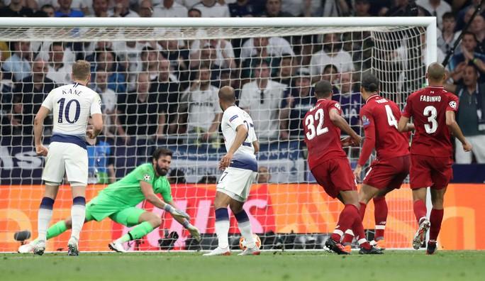 Hai phen bắn hạ Tottenham, Liverpool lên đỉnh châu Âu - Ảnh 7.
