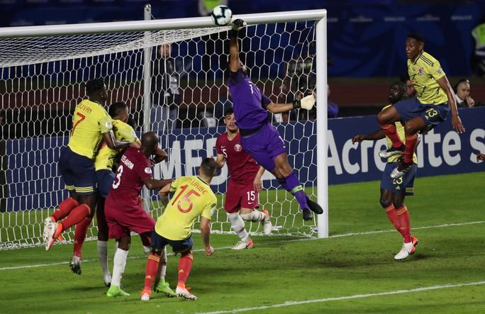 Chật vật hạ Qatar, Colombia đoạt vé tứ kết Copa America - Ảnh 3.