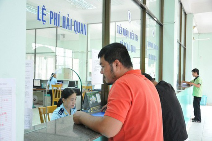 Doanh nghiệp sẽ chấm điểm lực lượng hải quan Hà Nội, TP HCM - Ảnh 1.