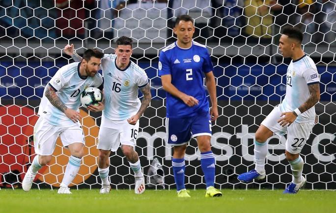 Messi ghi bàn, Argentina vẫn xếp chót bảng - Ảnh 4.