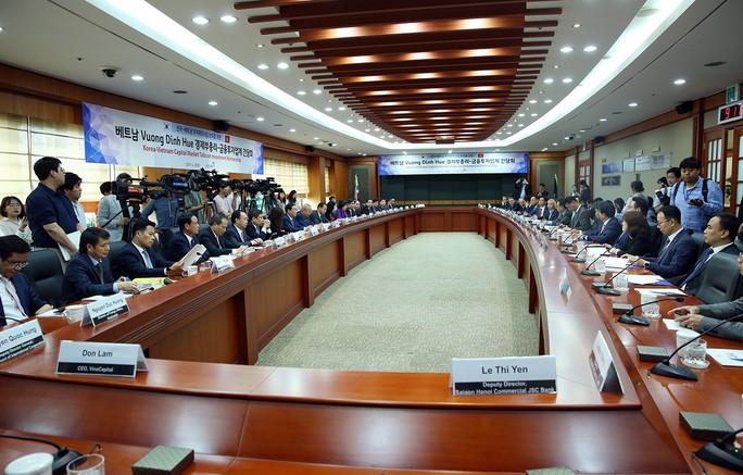 Đề nghị tập đoàn Hàn Quốc mua lại ngân hàng Ocean Bank, GPBank, CBBank...  - Ảnh 3.