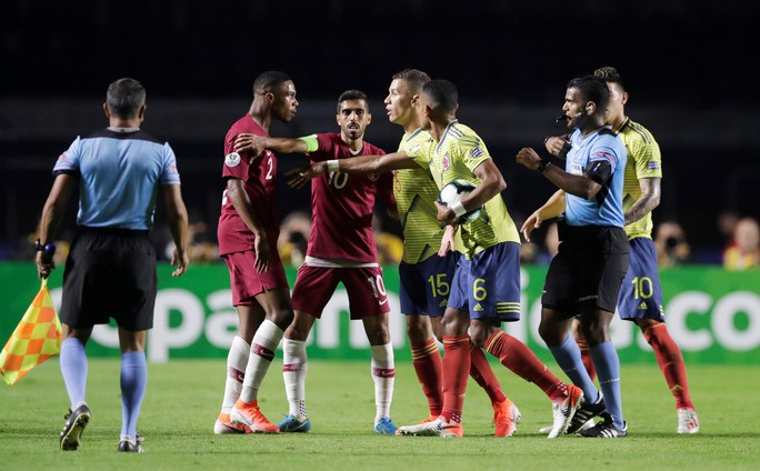Chật vật hạ Qatar, Colombia đoạt vé tứ kết Copa America - Ảnh 5.