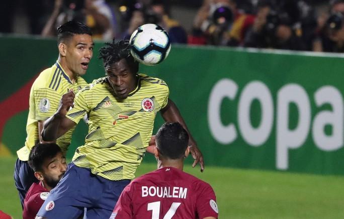 Chật vật hạ Qatar, Colombia đoạt vé tứ kết Copa America - Ảnh 7.