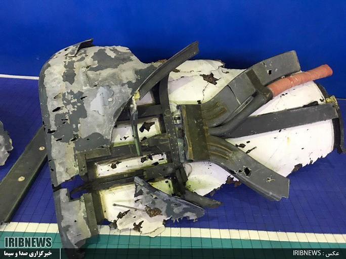 Iran công bố hình ảnh đầu tiên về UAV Mỹ bị bắn rơi - Ảnh 1.