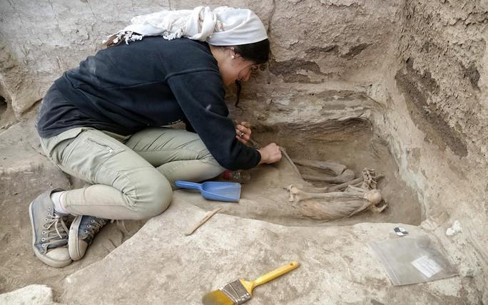 Hài cốt 9.000 năm tiết lộ lời nguyền thành phố cổ - Ảnh 1.