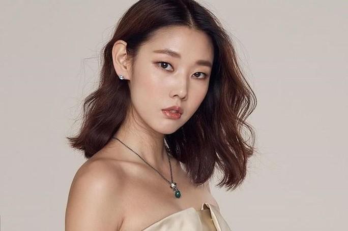 Kỷ niệm 20 năm làm nghề, người đẹp Hàn khỏa thân trên tạp chí - Ảnh 5.