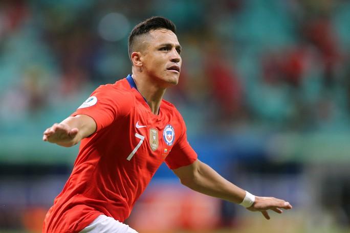 Sanchez lập siêu phẩm đưa Chile vào tứ kết Copa America - Ảnh 6.