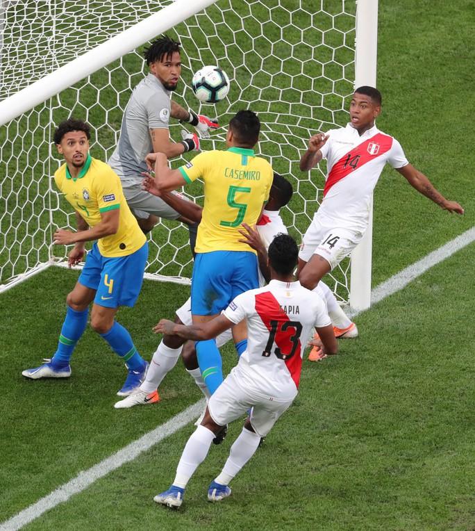 Đè bẹp Peru, Brazil ung dung đoạt vé tứ kết Copa America - Ảnh 3.