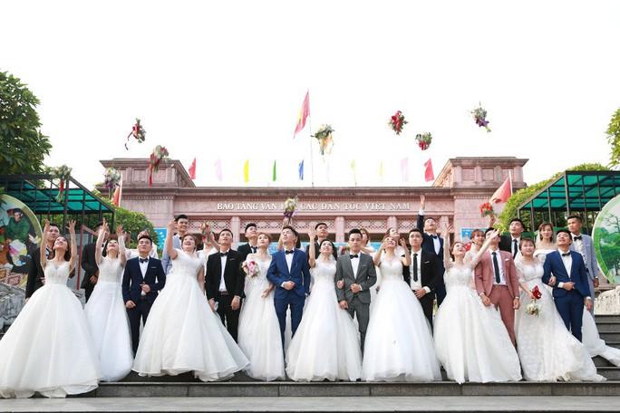 Ấn tượng lễ cưới tập thể của  công nhân  - Ảnh 8.