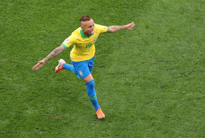 Đè bẹp Peru, Brazil ung dung đoạt vé tứ kết Copa America - Ảnh 5.