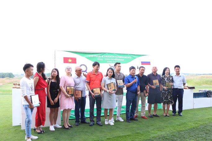 """Sôi nổi Giải Golf hữu nghị """"Việt Nam và những người bạn 2019"""" - Ảnh 4."""