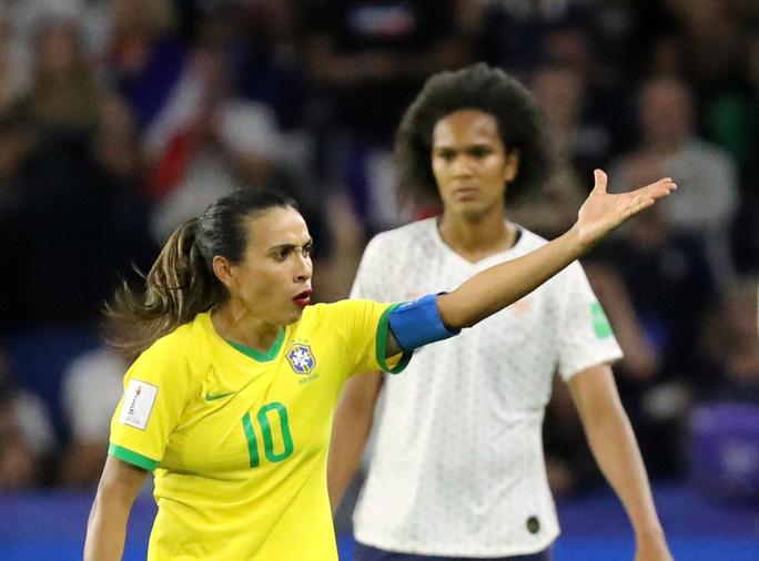 Clip: Henry lại gieo sầu cho Brazil tại World Cup  - Ảnh 3.