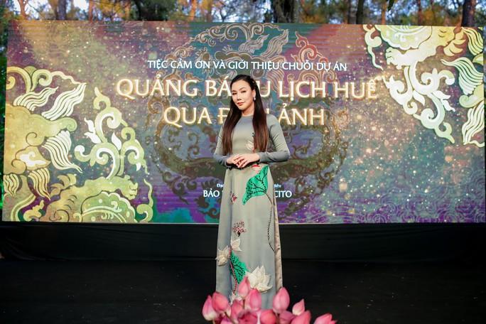Lan Ngọc, Ngọc Trân duyên dáng tại Huế - Ảnh 2.