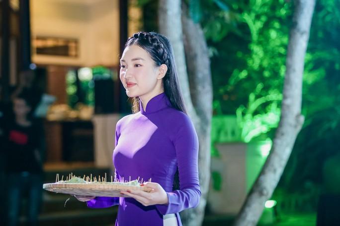 Lan Ngọc, Ngọc Trân duyên dáng tại Huế - Ảnh 5.