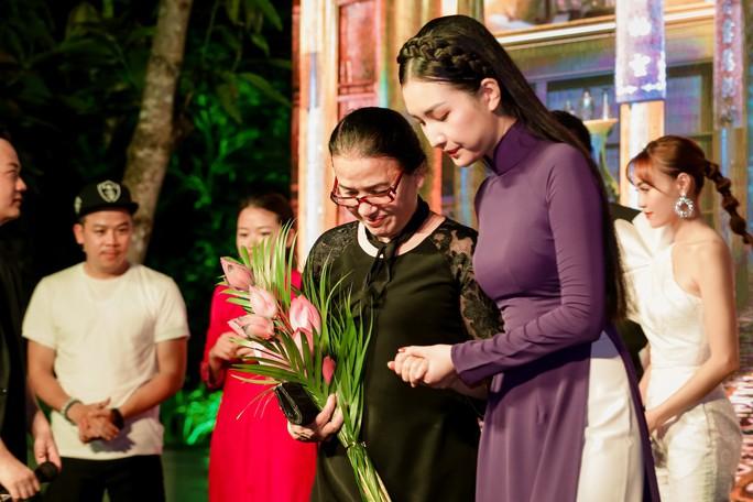 Lan Ngọc, Ngọc Trân duyên dáng tại Huế - Ảnh 6.