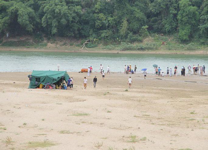 Nhói lòng tang lễ 2 nam sinh lớp 12 đuối nước tử vong trước ngày thi THPT - Ảnh 4.