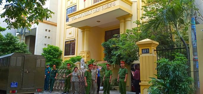 Xét xử ông Nguyễn Hữu Linh tội dâm ô: Tòa trả hồ sơ để điều tra bổ sung - Ảnh 3.