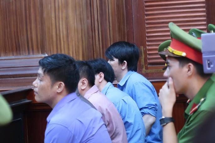 Vì sao luật sư của ông Chiêm Quốc Thái yêu cầu hoãn phiên tòa? - Ảnh 6.