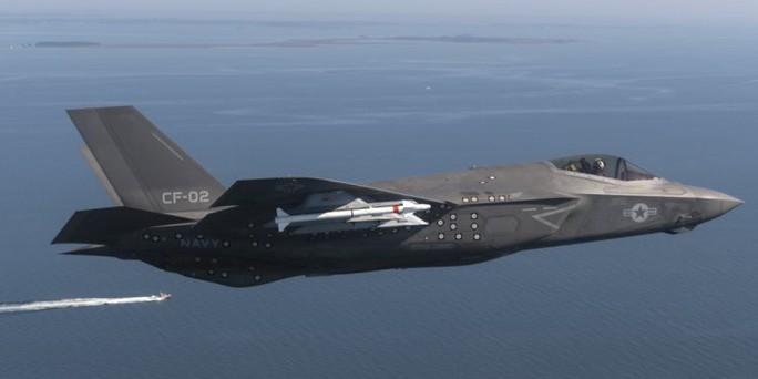 Mỹ phát triển tên lửa mới để săn máy bay Nga, Trung Quốc - Ảnh 1.