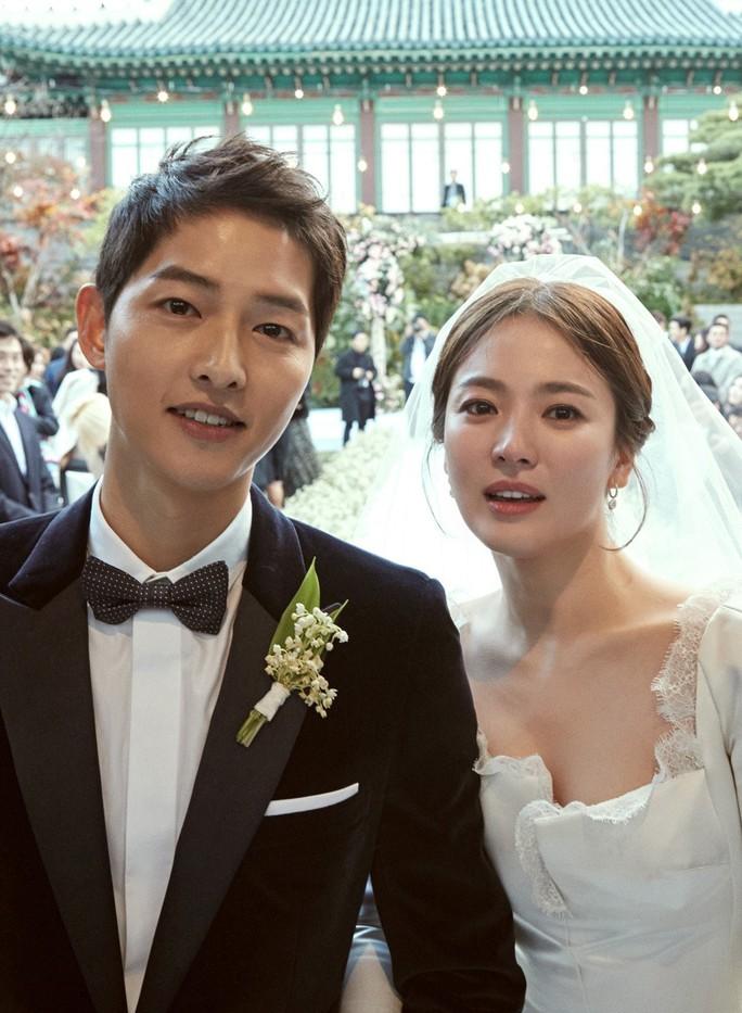 Sốc: Song Joong Ki đệ đơn xin ly hôn Song Hye Kyo - Ảnh 2.