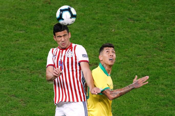 Hơn người nhưng Brazil phải nhờ loạt 11 m mới vượt qua Paraguay - Ảnh 1.