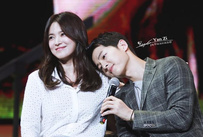 Cặp đôi Hậu duệ mặt trời chia tay: Park Bo Gum cảnh báo pháp lý - Ảnh 4.