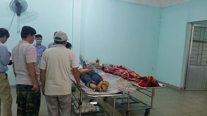Kinh hoàng 2 người văng lên và tử vong sau vụ nổ bánh xe ở Đồng Nai - Ảnh 1.