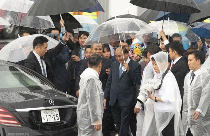 Thủ tướng tới Nhật Bản tham dự Hội nghị Thượng đỉnh G20 - Ảnh 2.