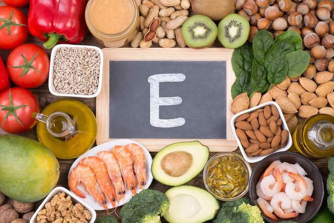 Tác động chết người của vitamin E lên bệnh ung thư nếu dùng nhiều - Ảnh 1.