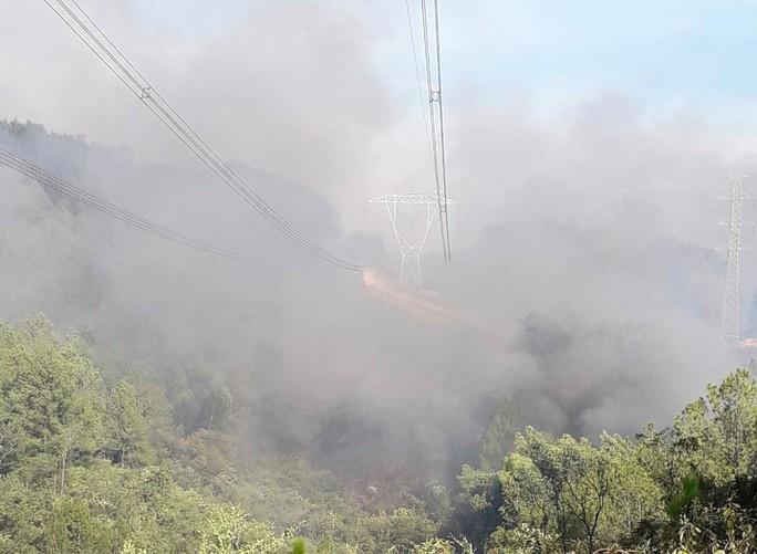 Cháy rừng đe dọa đường dây 500 kV, EVN báo cáo Thủ tướng về nhiên liệu cho sản xuất điện - Ảnh 1.