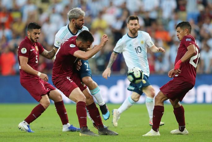 Đánh bại Venezuela, Argentina chờ siêu kinh điển Nam Mỹ ở bán kết - Ảnh 2.